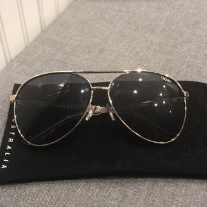 Quay sunglasses with case